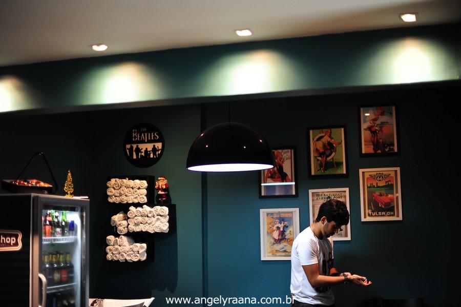 Making off Noivo no barber shop em Niterói -RJ fotografado por angely ráana fotografias se preparando