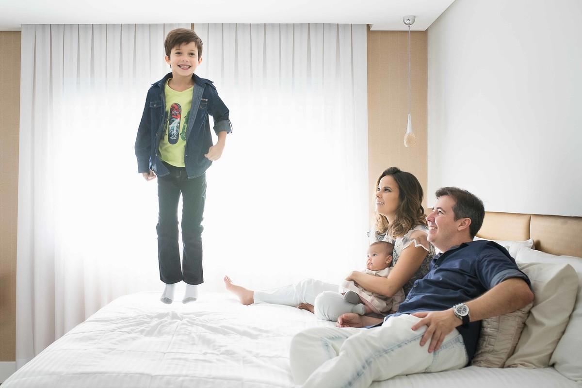 Ensaio Estúdio Life Familia - ensaio fotográfico família - casa - cama