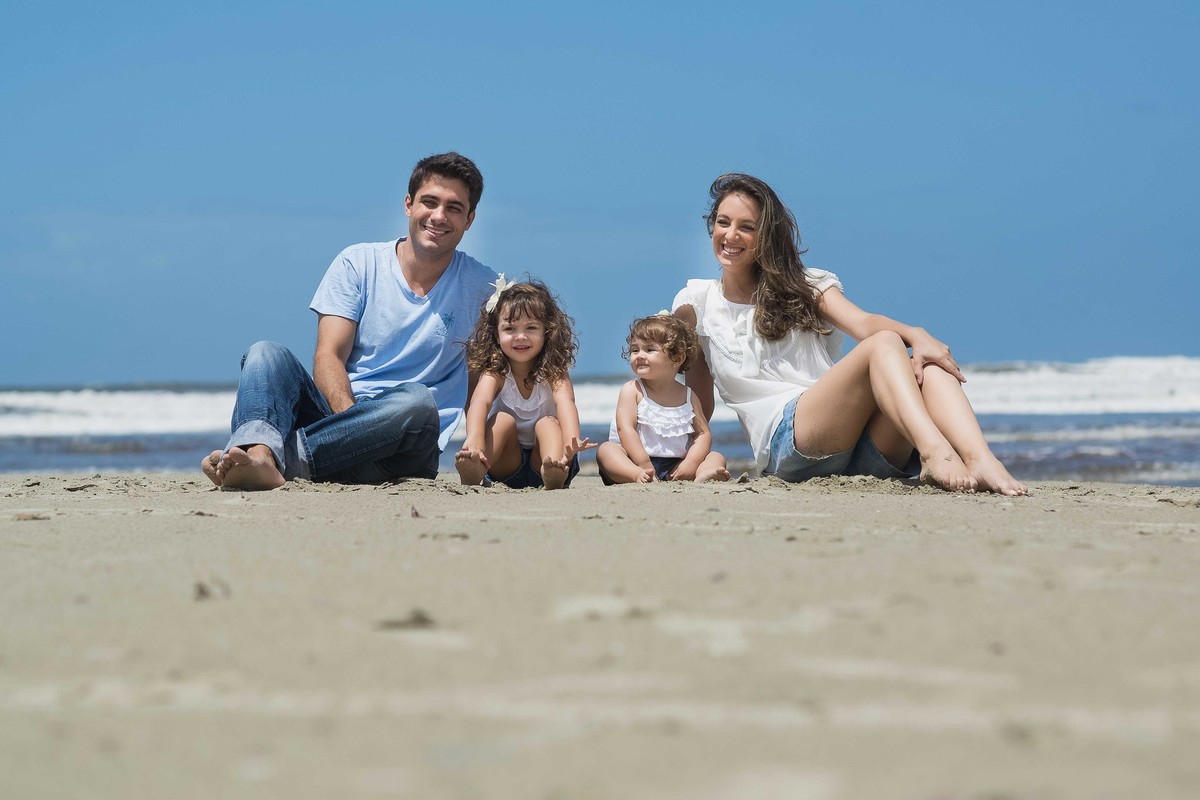 Ensaio Estúdio Life Familia - ensaio fotográfico família  - praia- céu