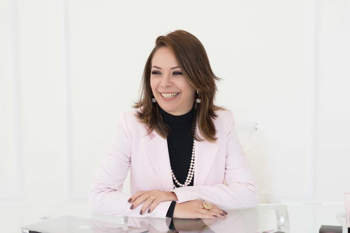 Ensaio fotográfico - perfil profissional - estúdio - empresária - Mary Kay