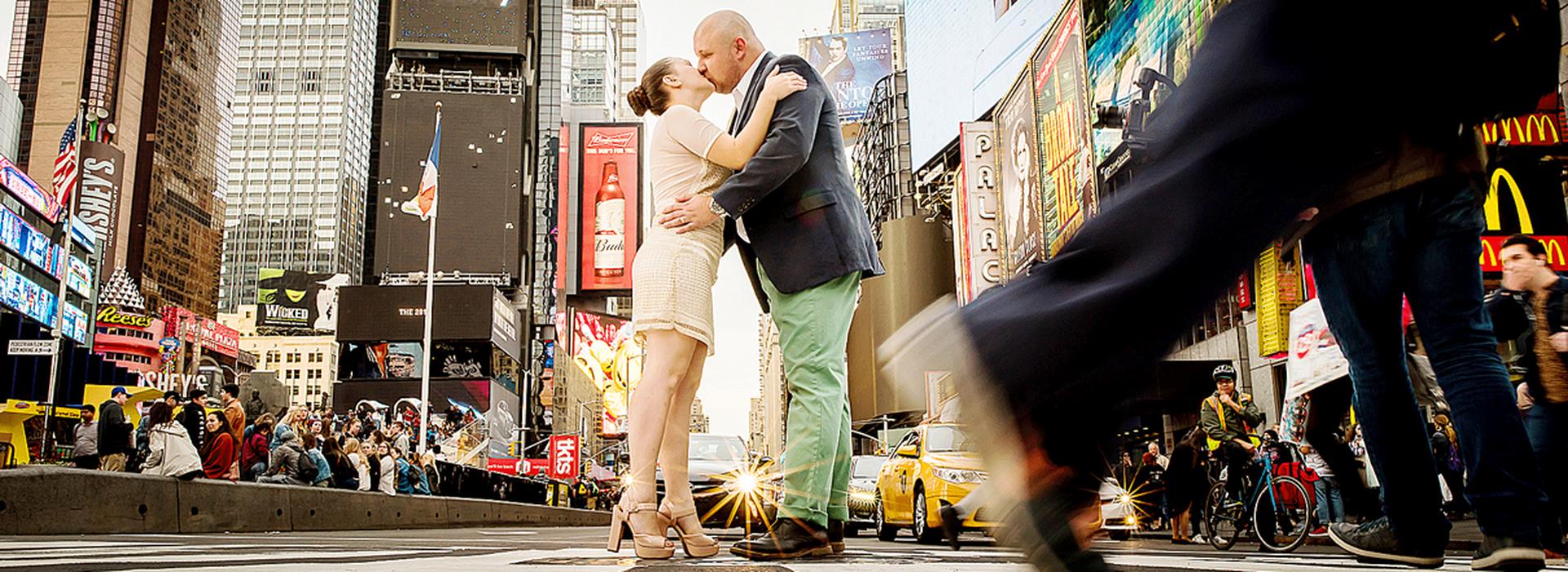 trabalhos internacionais de Ana e Jean em Times Square - New York - EUA