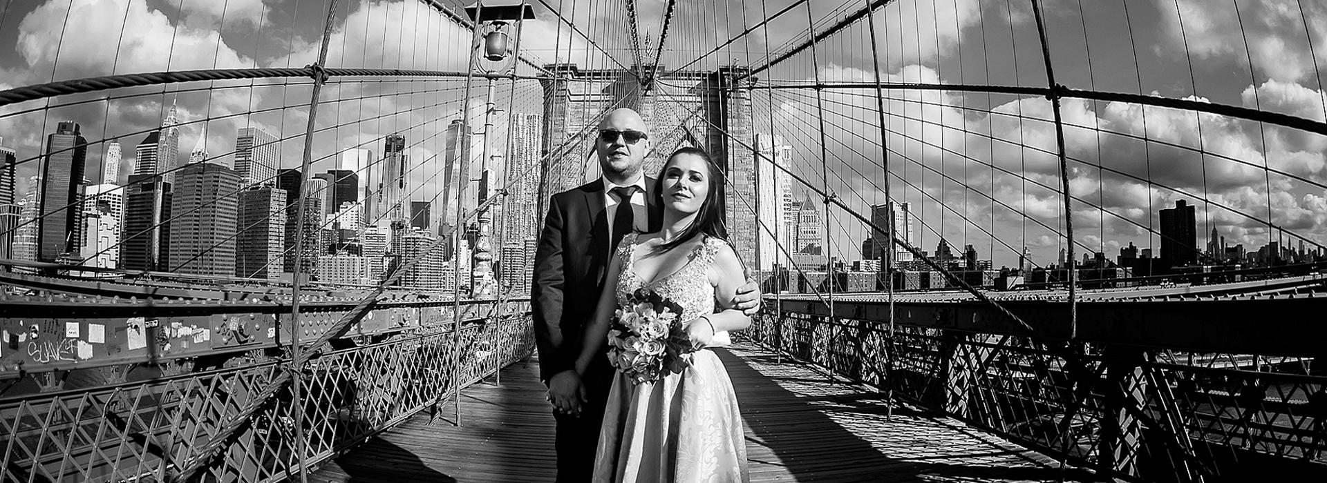trabalhos internacionais de Ana e Jean em Brooklyn Bridge - New York - EUA