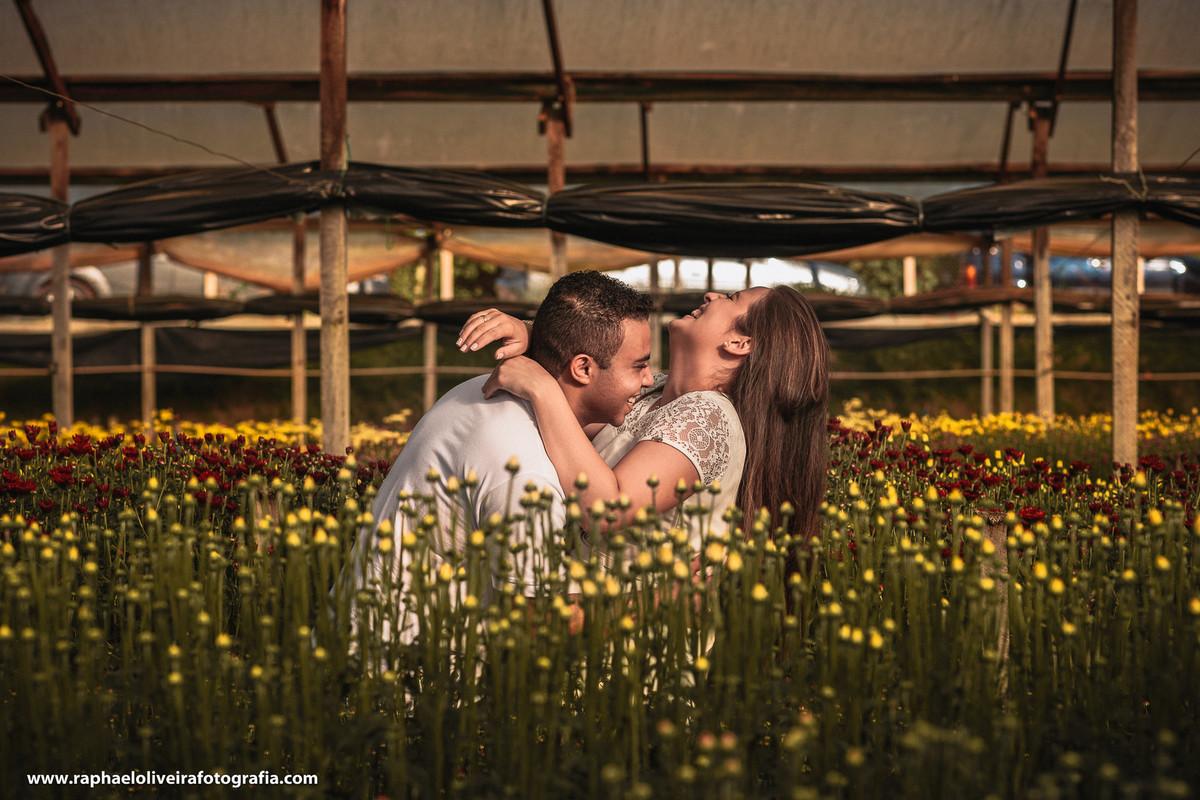 Ensaio pre-casamento da Bruna e Felipa realizado em Holambra pelo fotógrafo de são paulo Raphael Oliveira Fotografia