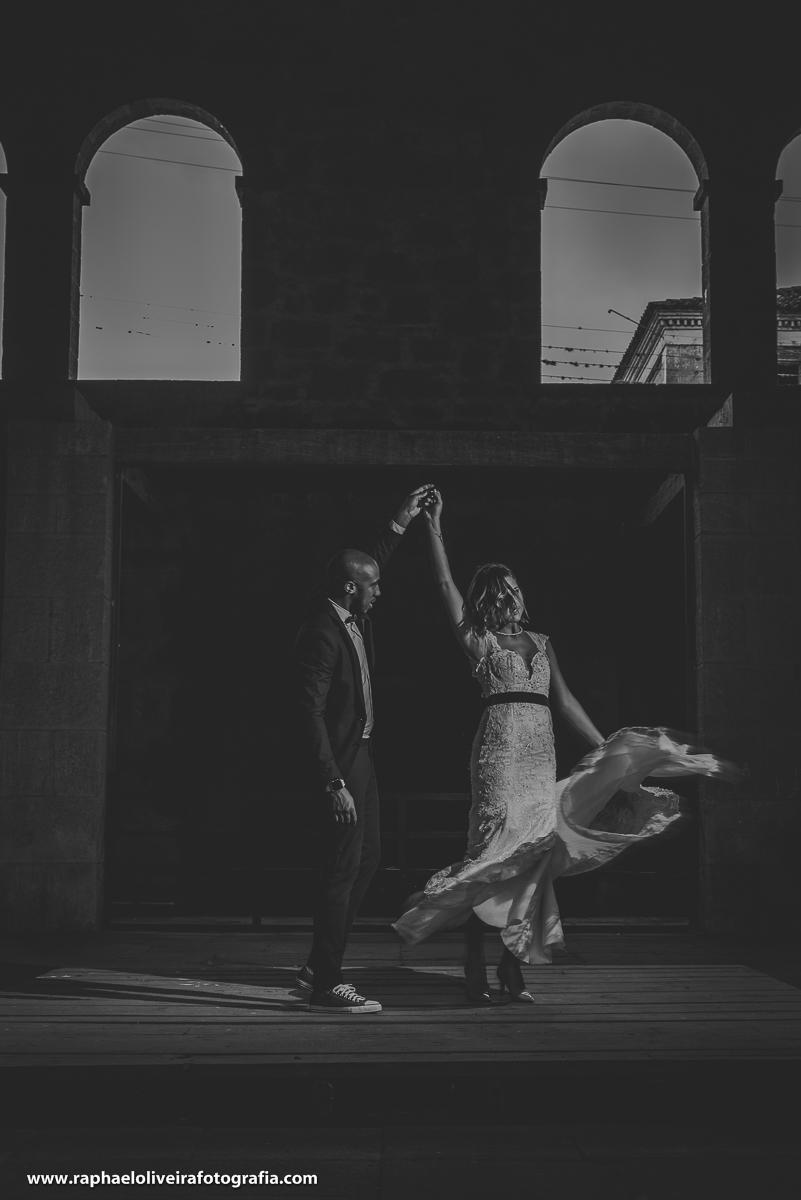 noivos trash the dress preto e branco, ensaio de casal na fazenda ipanema em ipero, raphael oliveira fotografia.