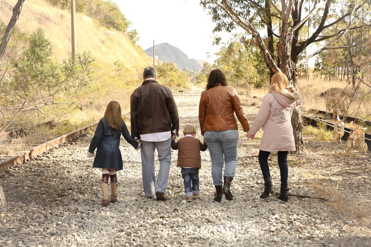 Fotos de família, ivna sá fotografia, ivna sá produção fotográfica, ivna sá, fotos externas, estúdio em belo horizonte, menina, menino, pai, mãe, filhos, família