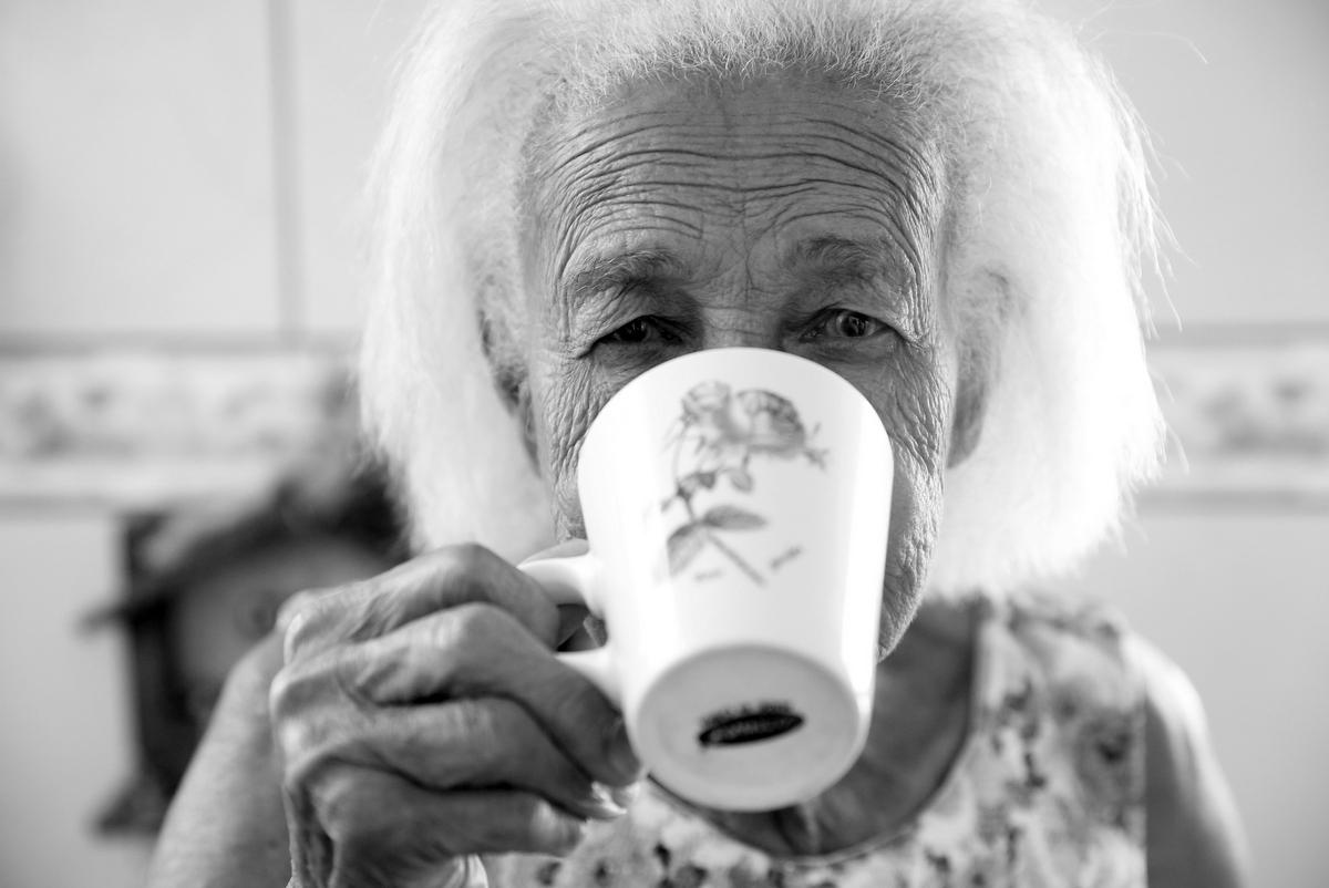 fotos de idosa, fotos de idosa em bh, fotos de idosa em belo horizonte, ivnasa, ivna sa produção fotográfica, ivna sá em bh, ivna sa em belo horizonte, book de cem anos, book de cem anos em bh, book de cem anos em belo horizont