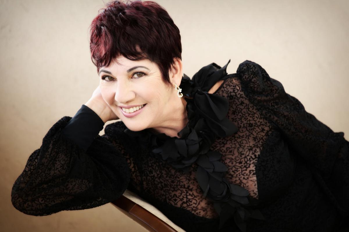 Foto de Regina - 58 anos