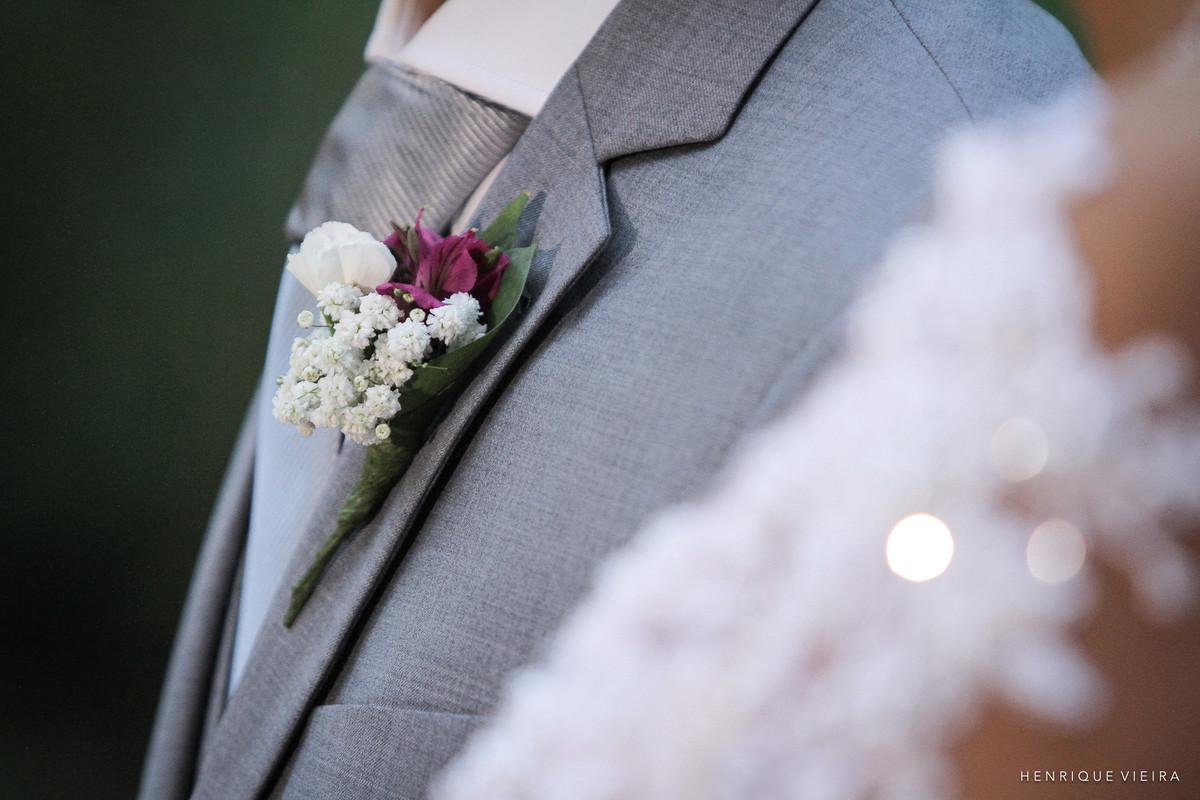 detalhes da lapela do noivo