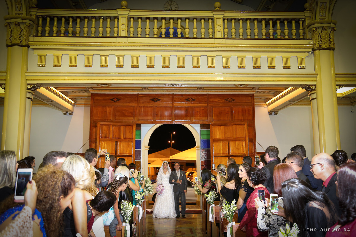 a entrada da noiva