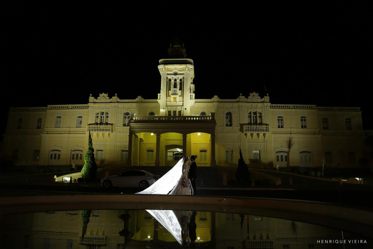 noivos e a prefeitura de Araguari
