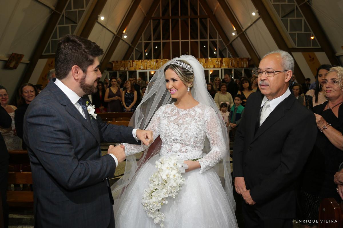 o momento da despedida do pai da noiva