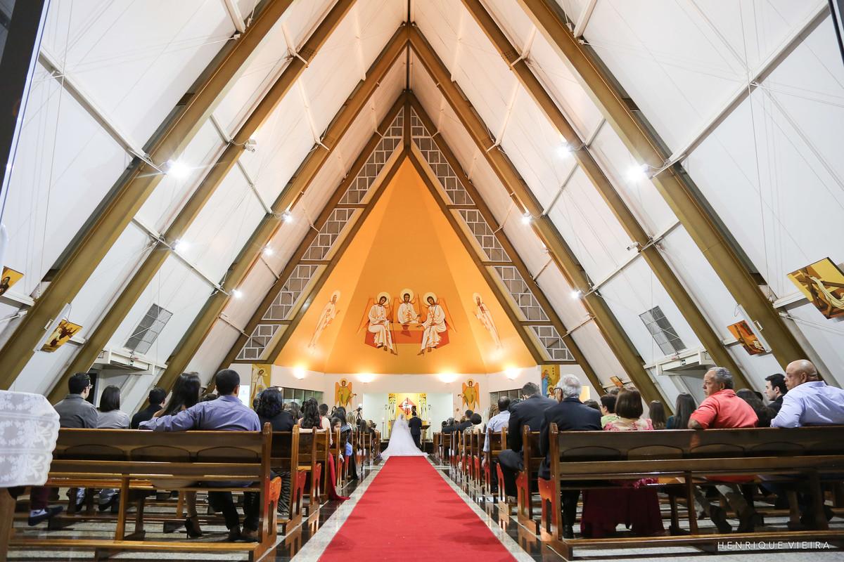 belíssima igreja Nossa Senhora Santíssima Trindade em Uberlândia