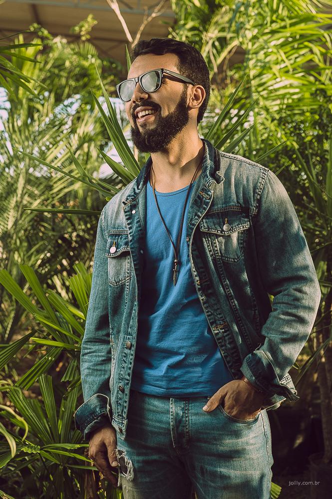 modelo masculino jaqueta jeans oculos escuro ensaio de book pessoal em feira de santana fotografo rick joilly