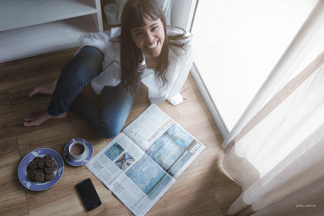 chocolate jornal manhã e sorriso