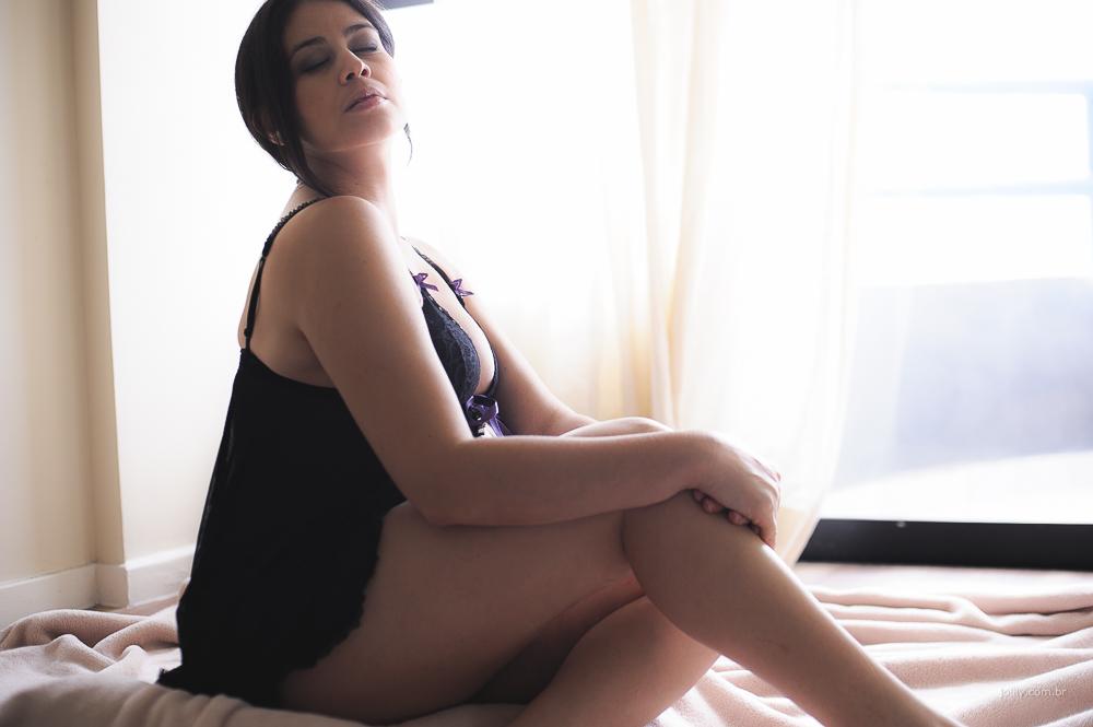 gravida de lingerie em ensaio lindo sob as lentes do fotografo joilly