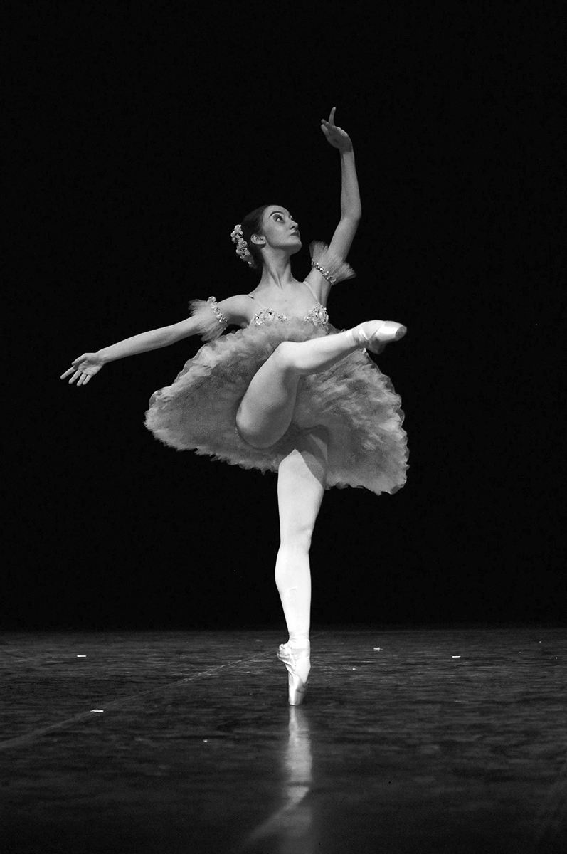 Ana Letícia Godoy Petite Danse