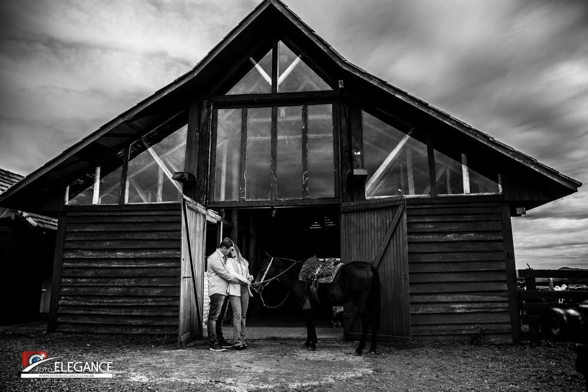 ensaio de casal com cavalo