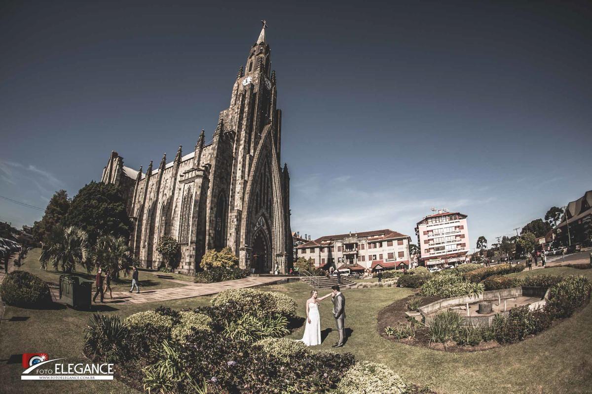 fotos de casal na igreja em gramado