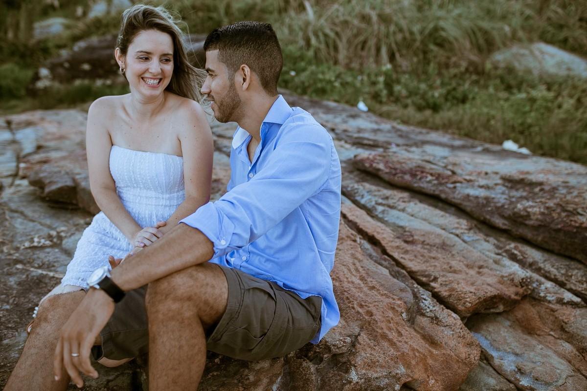 ensaio, pré casamento, ensaio na praia, noivos, noiva, noivo, fotos de noivos, casamento, pré wedding, ele e ela