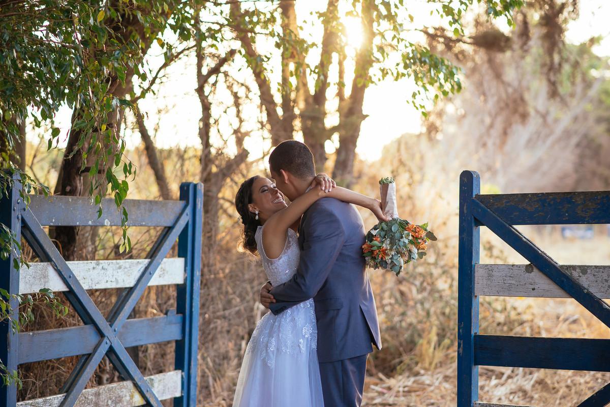 jaqueline melo fotografo de casamento em brasilia, fotografia de casamento em brasilia, decoração de casamento miss rocha, espaço florativa, casamento de dia, casamento rustico, por do sol