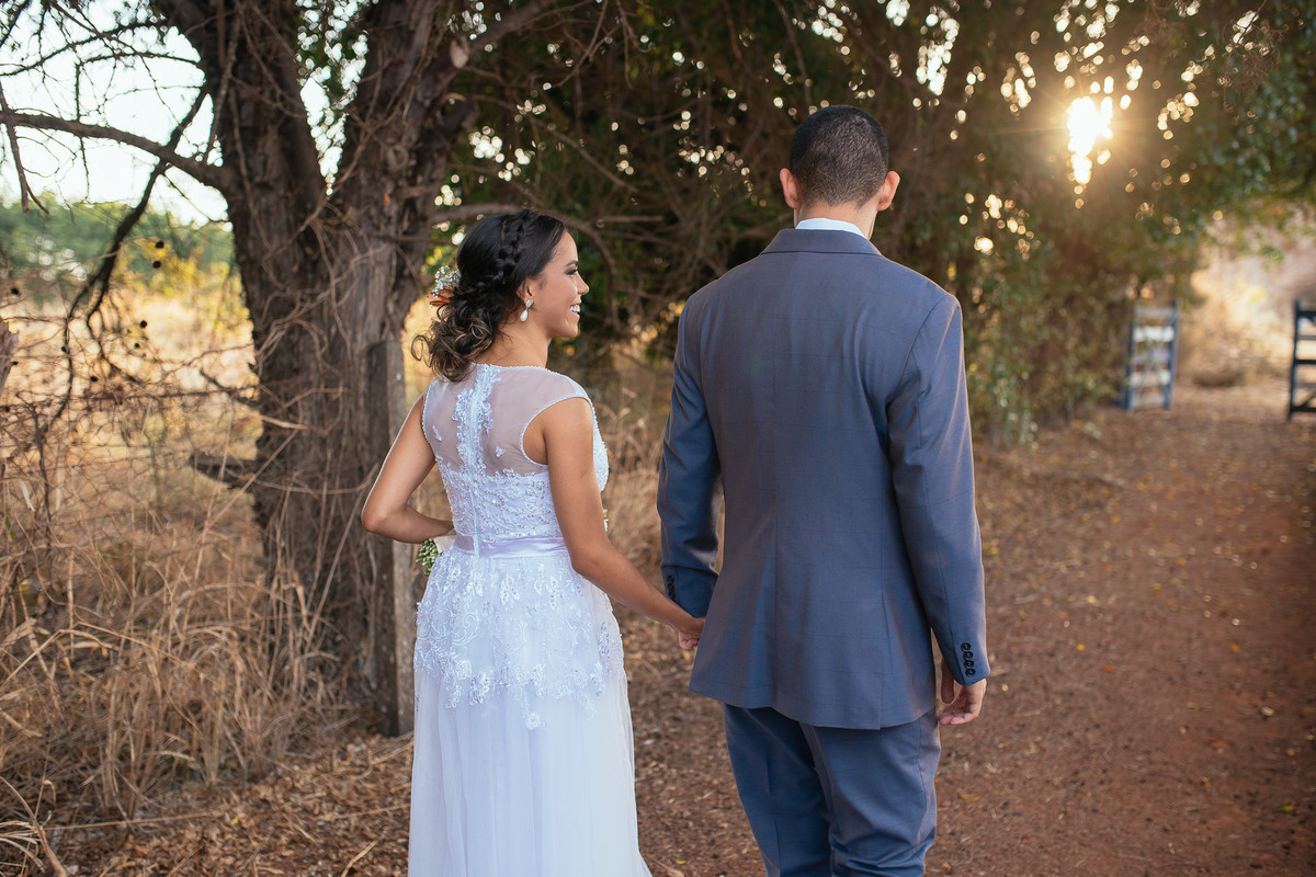 jaqueline melo fotografo de casamento em brasilia, fotografia de casamento em brasilia, decoração de casamento miss rocha, espaço florativa, casamento de dia, casamento rustico, pós casamento