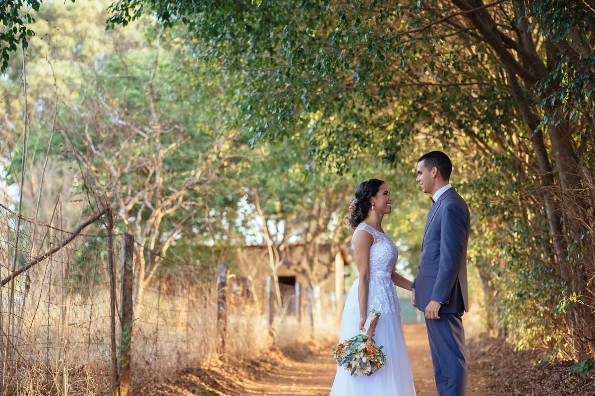jaqueline melo fotografo de casamento em brasilia, fotografia de casamento em brasilia, decoração de casamento miss rocha, espaço florativa, casamento de dia, casamento rustico, pos casamento