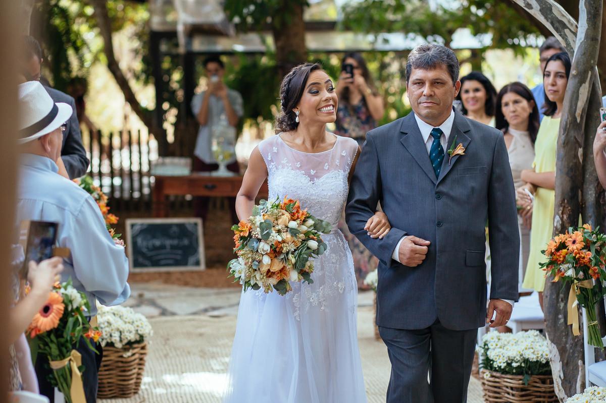 jaqueline melo fotografo de casamento em brasilia, fotografia de casamento em brasilia, decoração de casamento miss rocha, espaço florativa, casamento de dia, casamento rustico, entrada da noiva