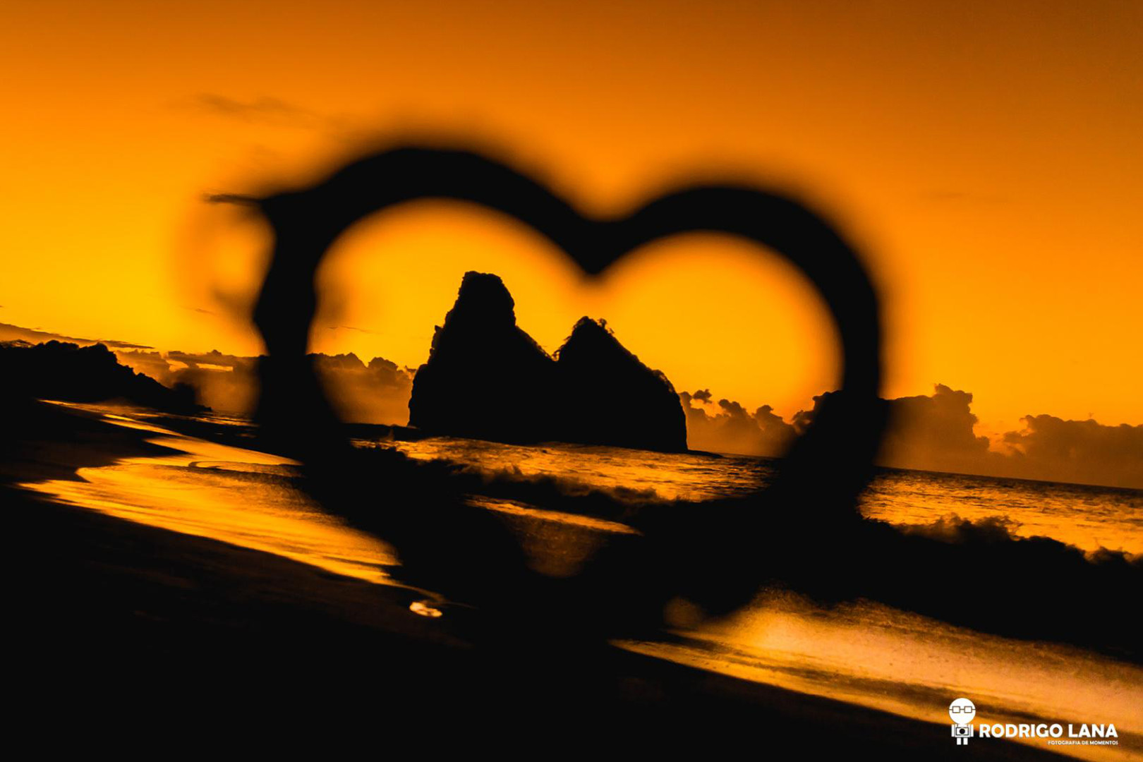 Imagem capa - Fernando de Noronha: Um lugar paradisíaco para Casamentos por Rodrigo Lana