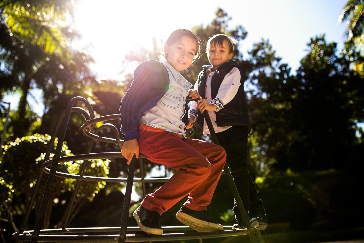 enzo e lucas no playground