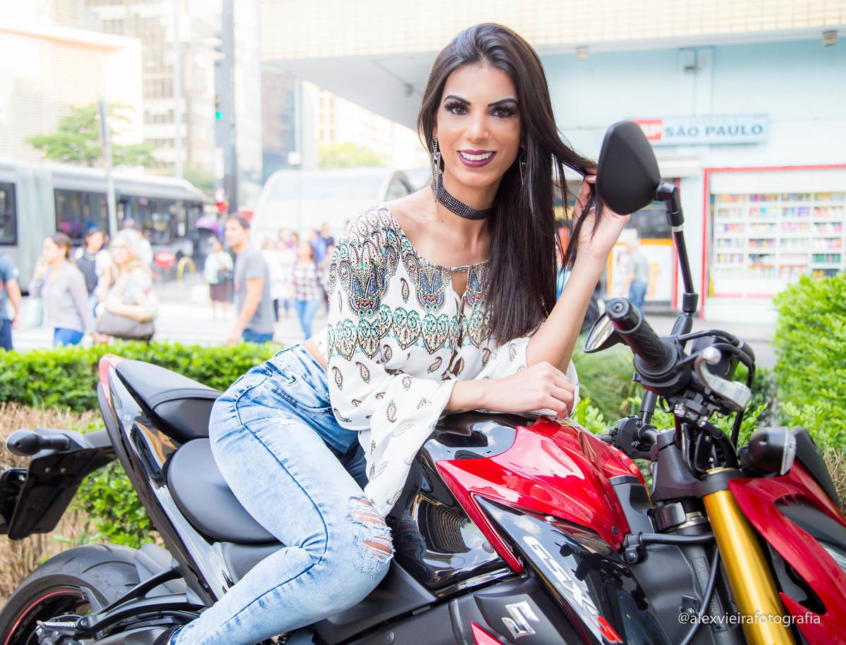 Foto de SUELLEN FERNANDES | Atriz das pegadinha do SBT desfila para o Fotógrafo Alex Vieira com a Grife @prs_jeans