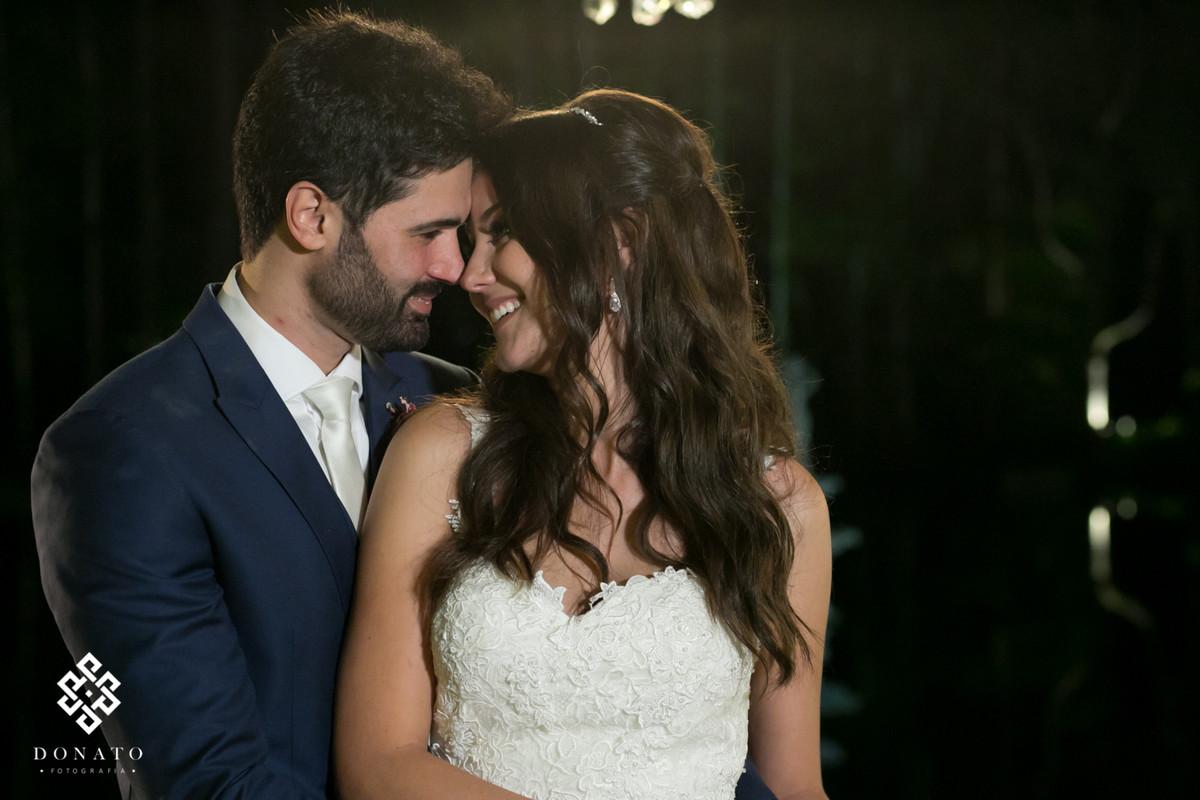 Foto posada do casal apos a cerimonia.