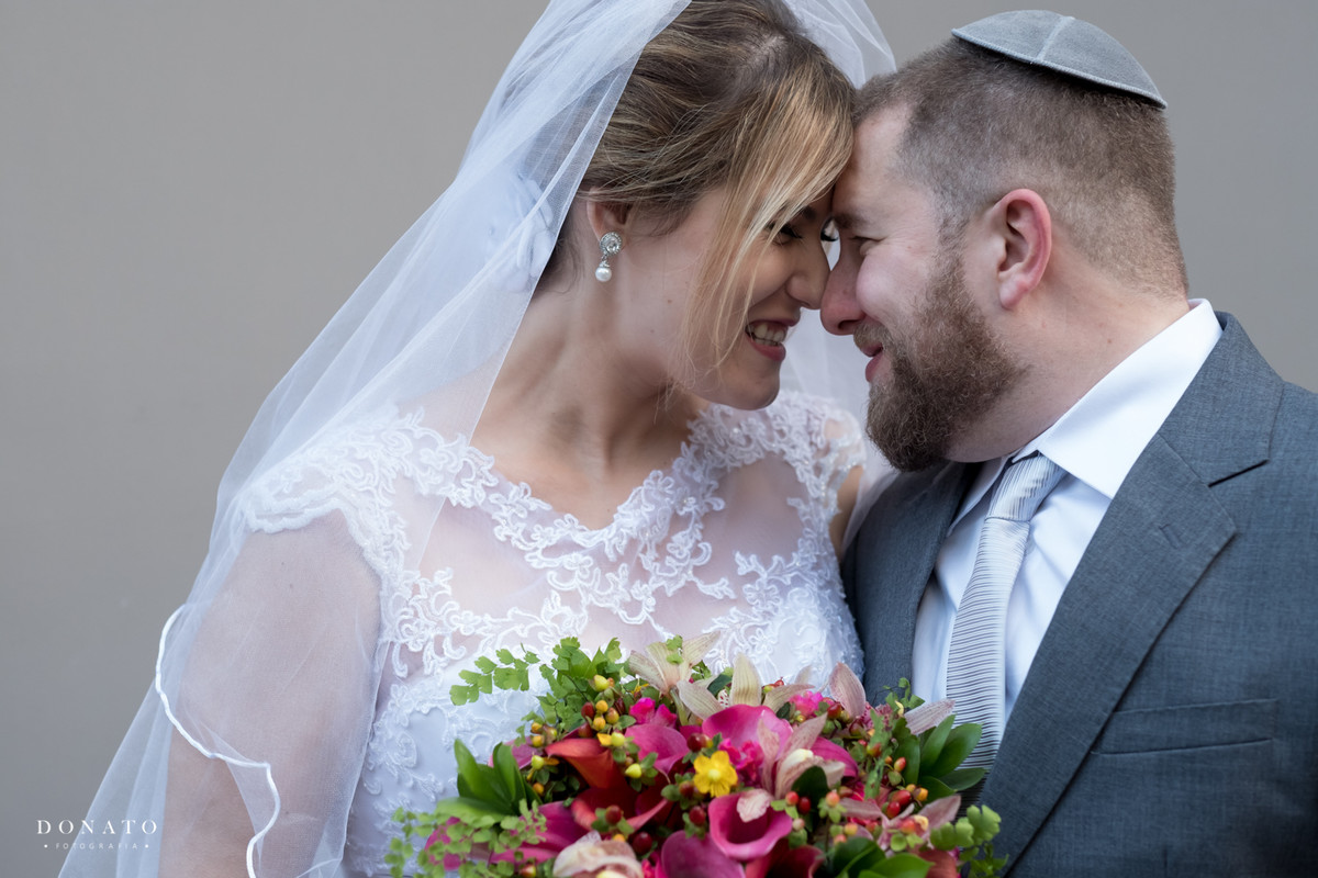 Fotos posadas dos noivos.