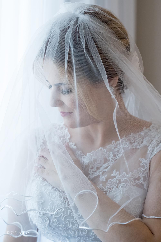 Noiva pronta com véu.