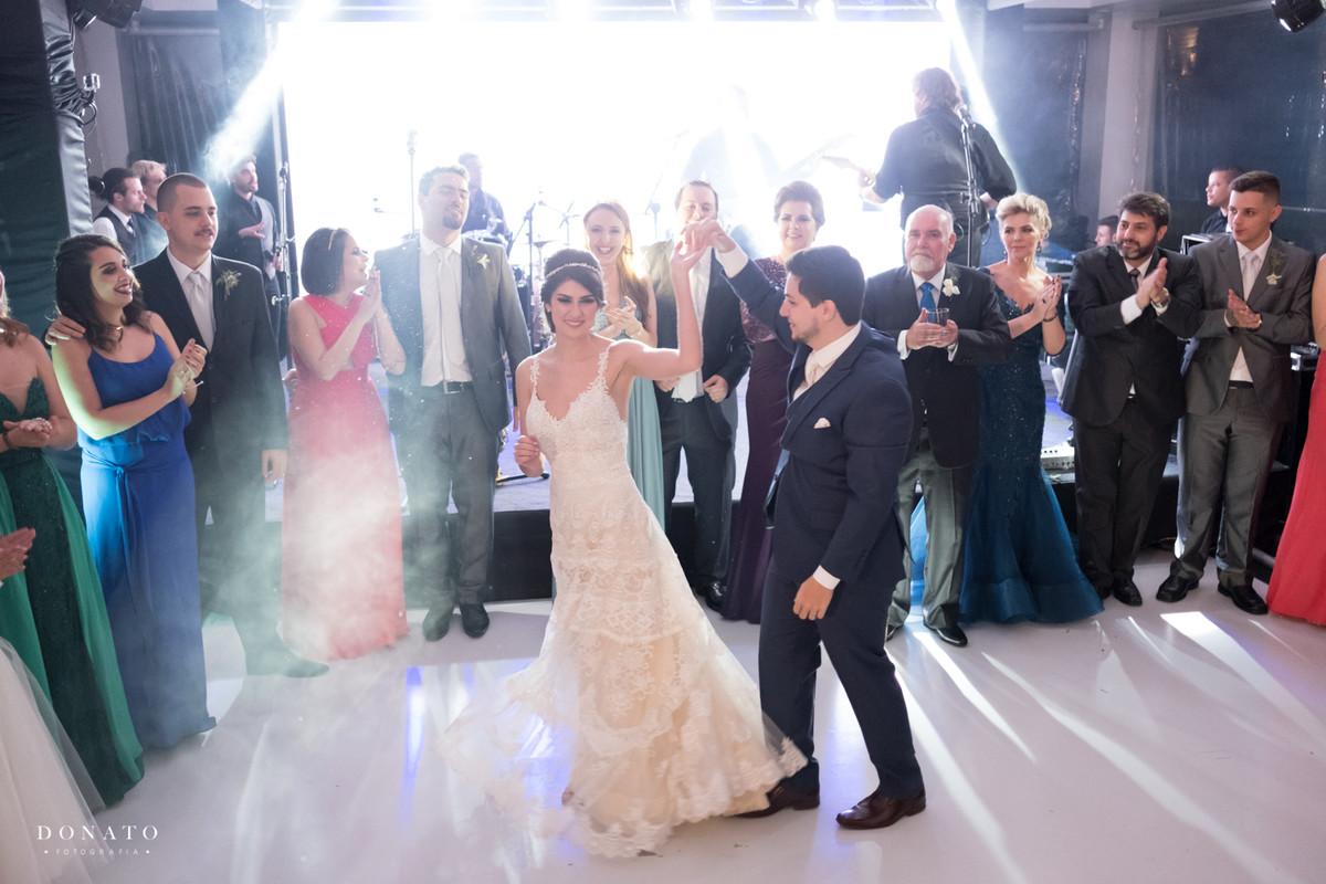 primeira dança dos noivos.