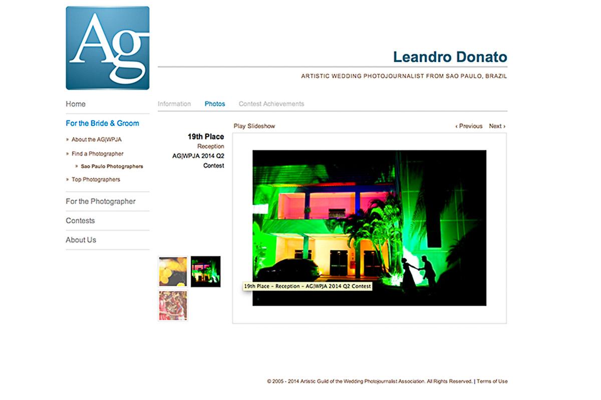 Foto premiada no AGWP, associação americana, a foto dos noivos pequenos a frente do salão de festas correndo para entrar no salão.