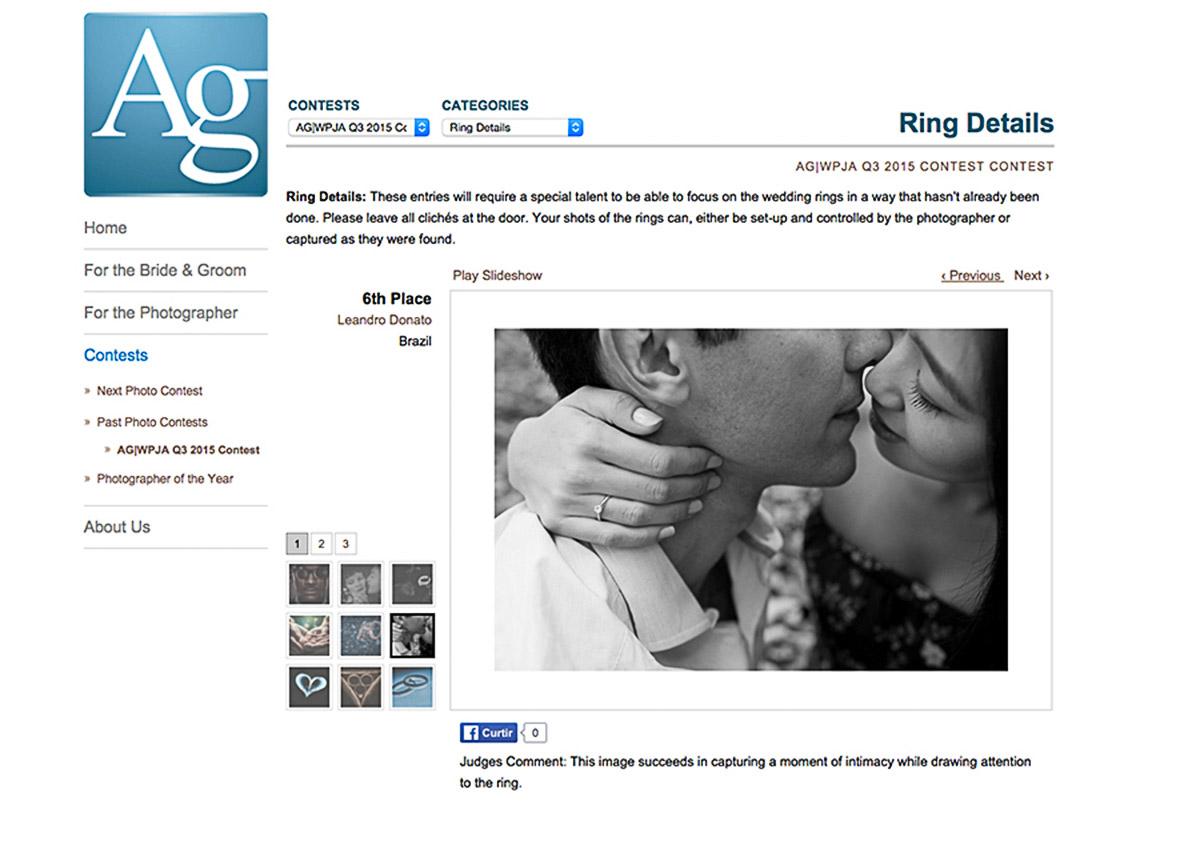 Noiva beixa o noivo com amor, o detalhe do anel faz toda a diferença, foto foi premiada na categoria aneis e detalhes pelo AGWPWA.