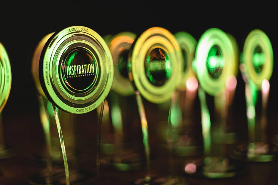 foto do trofeu lente de ouro, premio inspiration, de fotografo revelaçao 2015