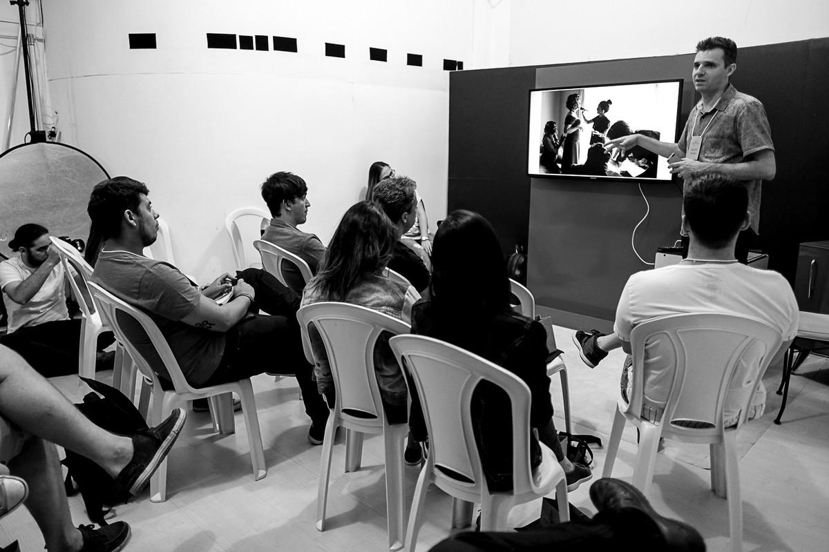 Nossa apresentação dentro do estudio no curso de fotografia, estética e momento.