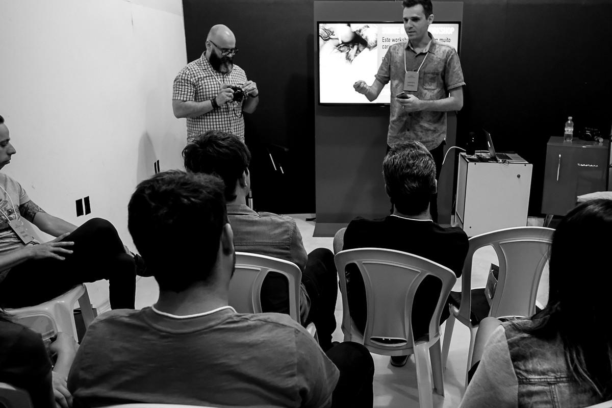 Leandro Donato apresenta a primeira parte do workshop.