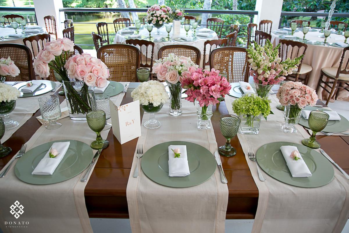detalhe da mesa decoração.