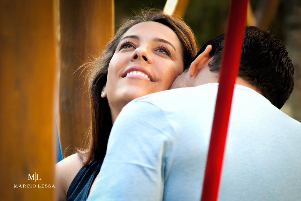 Felicidade estampada no rosto no Ensaio de Gestante por Márcio Lessa | Fotografia