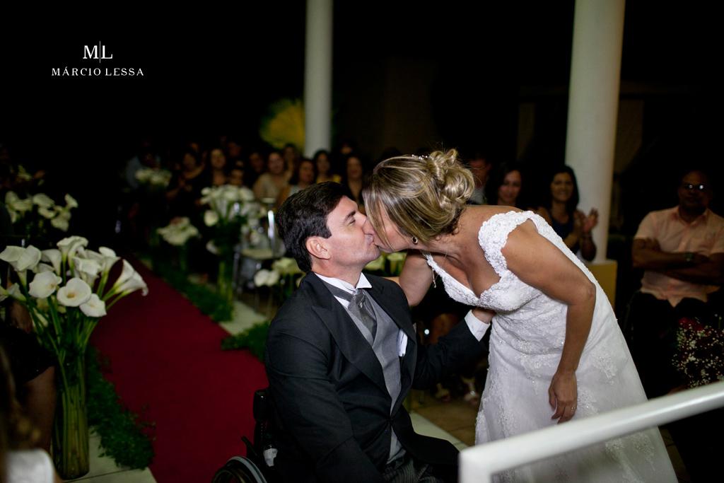 O beijo dos noivos! Casamento na Lofty Kingdom Eventos, Rio de Janeiro, RJ, por Márcio Lessa | Fotografia