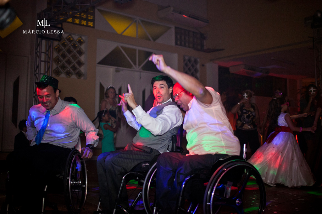 Os cadeirantes na pista de dança! Casamento na Lofty Kingdom Eventos, Rio de Janeiro, RJ, por Márcio Lessa | Fotografia