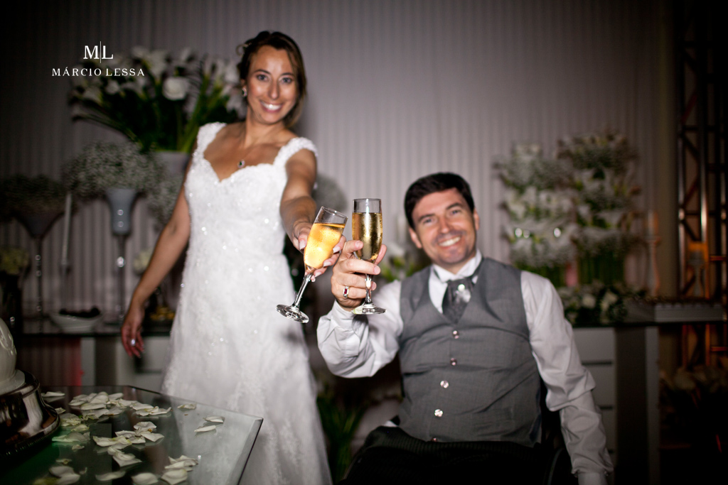 Um brinde ao amor! Casamento na Lofty Kingdom Eventos, Rio de Janeiro, RJ, por Márcio Lessa | Fotografia