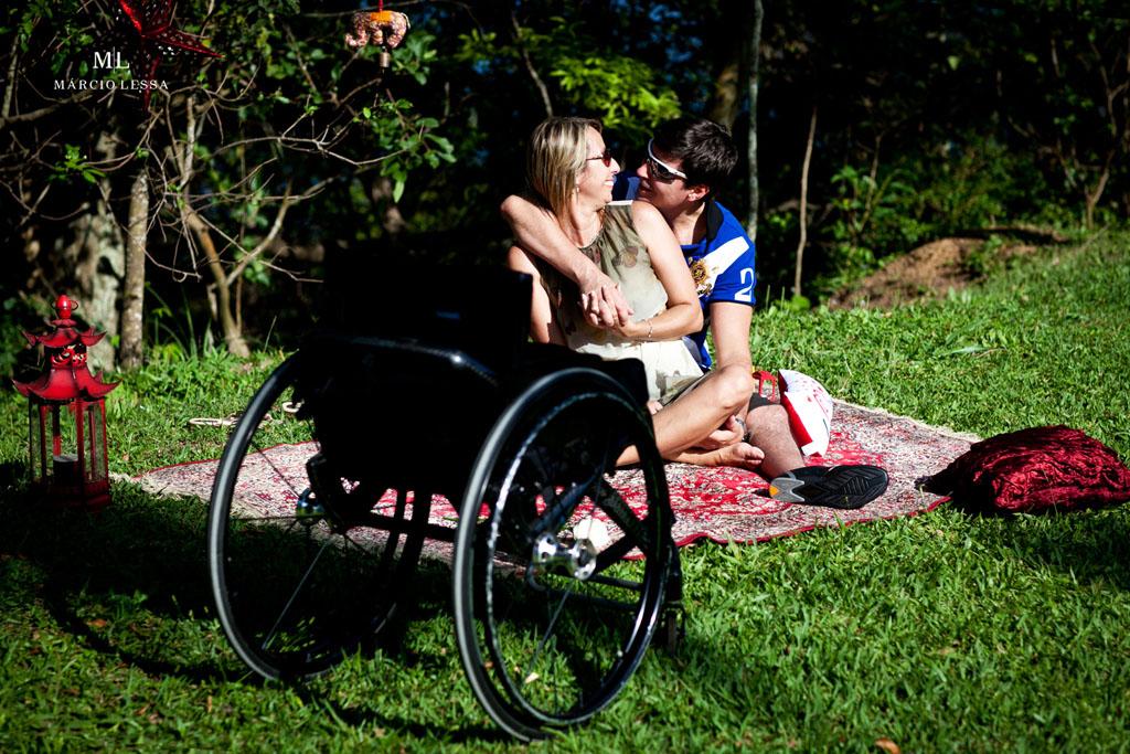 Troca de olhares | Pre-Wedding no Parque Penhasco Dois Irmãos, Leblon, Rio de Janeiro, RJ, por Márcio Lessa | Fotografia