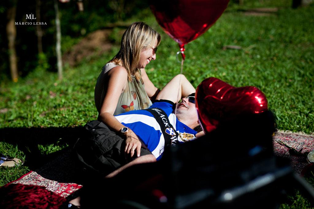 No teu colo me sinto seguro | Pre-Wedding no Parque Penhasco Dois Irmãos, Leblon, Rio de Janeiro, RJ, por Márcio Lessa | Fotografia