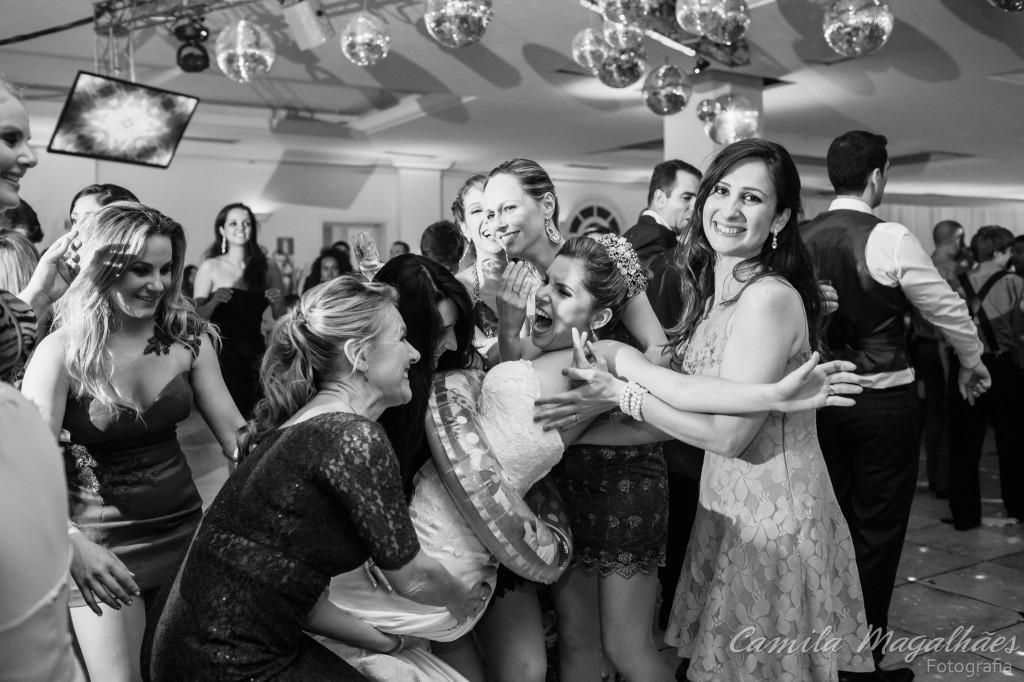 festa super divertida casamento Camila Magalhães Fotografia