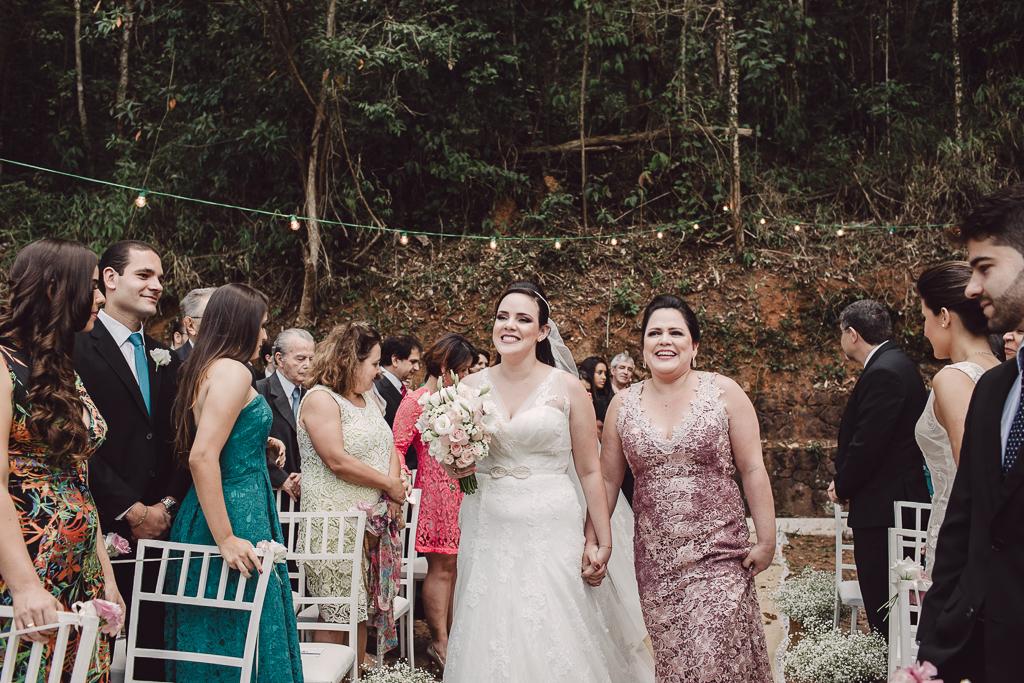 Fotografia de casamento ao ar livre em BH