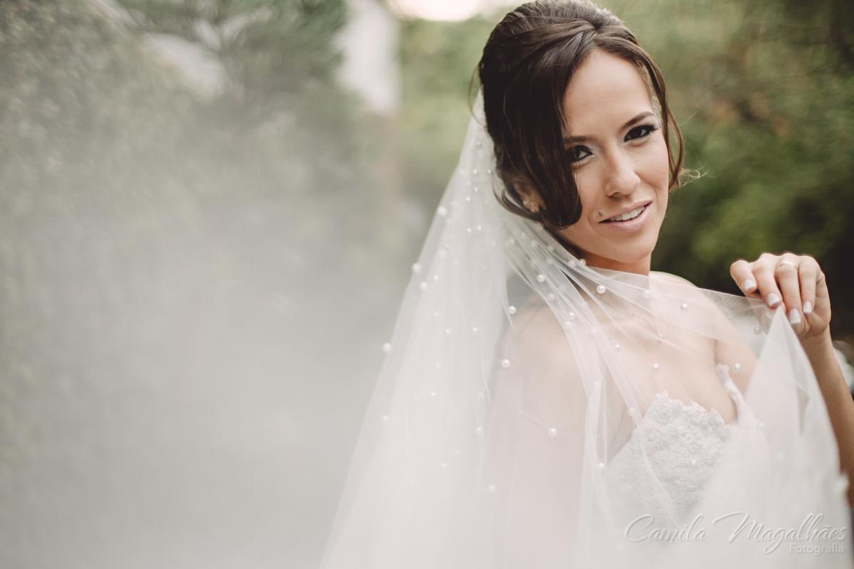 bela noiva e véu com perolas