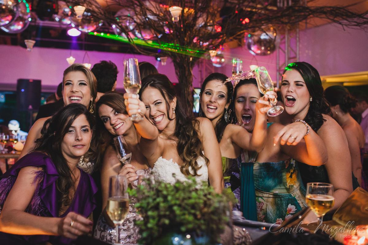Brinde com as amigas foto divertida